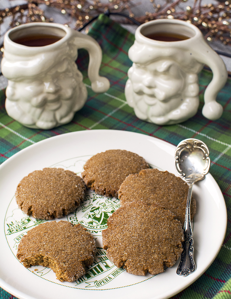 low-carb-gluten-free-ginger-molasses-spice-cookies-smaller