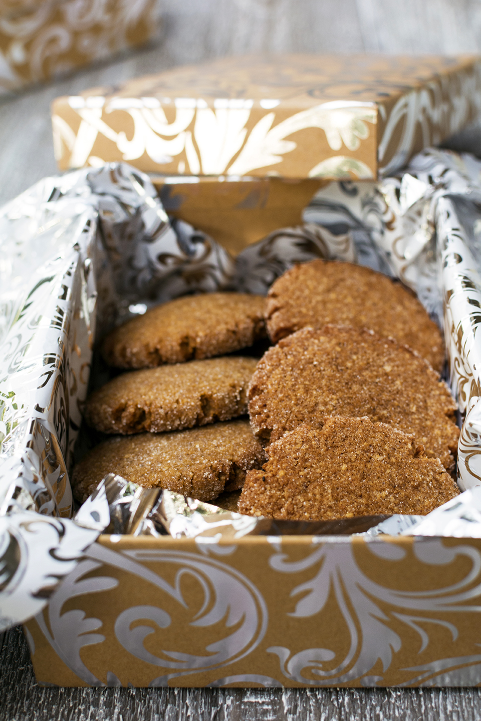 low-carb-grain-free-gingersnaps-molasses-cookies-paleo-coconut-sugar